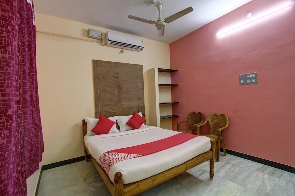 OYO 38664 Rt Residency