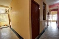 OYO 38664 Rt Residency Suite