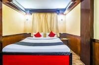 Capital O 38692 Hotel Gajraj Deluxe