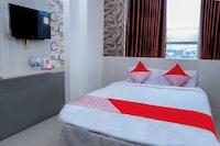 OYO 861 R Four Hotel