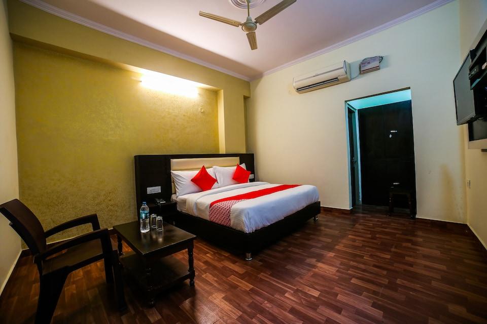 OYO 38718 Hotel Krishna Pride