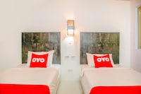 OYO 126 Patong Station House