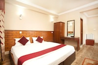OYO 374 Hotel Holiday Taj (p) Ltd