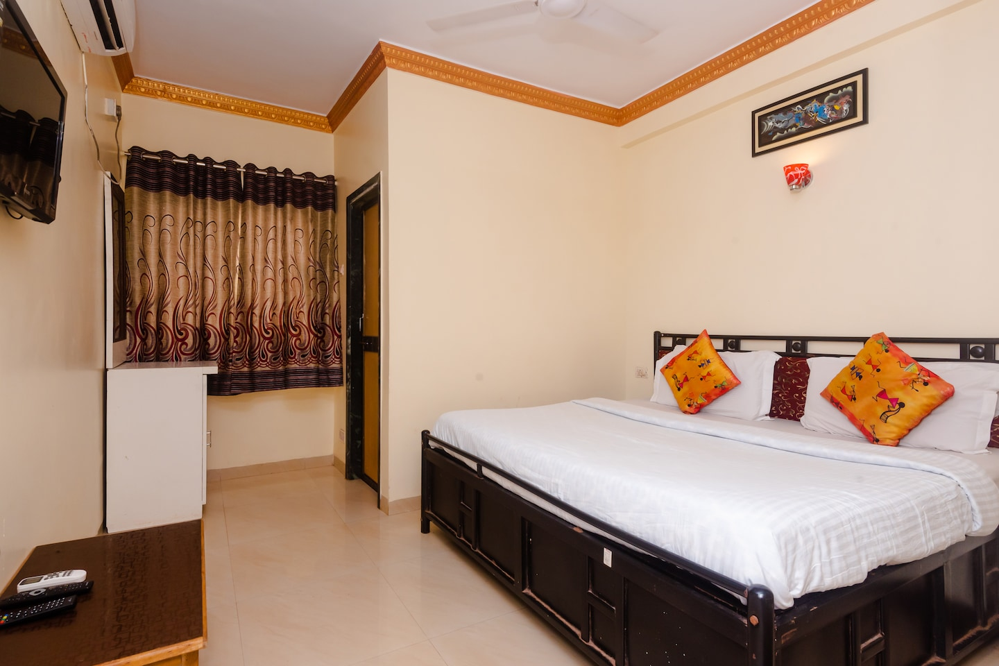 SPOT ON 38780 Hiral Residency -1