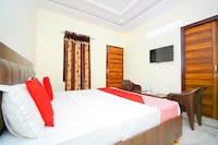 OYO 38787 Hotel Red Rose Deluxe