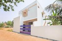OYO Home 39317 Beach House Studio Near Ecr