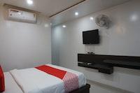OYO 39333 Hotel Sheetal