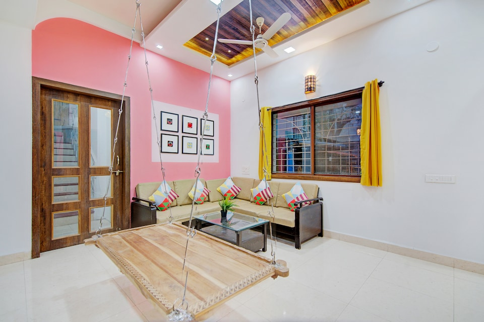 OYO Home Luxe 39337 Spacious Stay Balewadi High Street