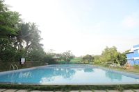OYO 39345 Chrisander's Resort