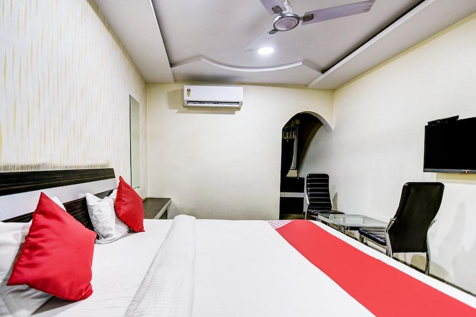 OYO 39372 Hotel Royal Palace