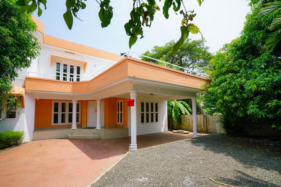OYO 39392 Vibrant Villa