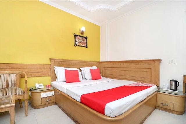OYO 643 Hotel Maharaja Residency