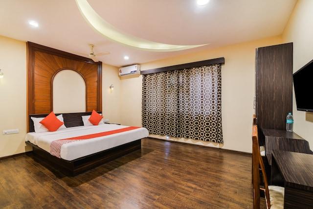 OYO 39434 Sri Balaji International Deluxe