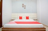 OYO 39459 Hotel Seven Seas Deluxe