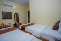 OYO 387 Shanti Hotel
