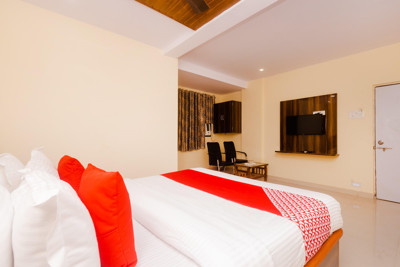 OYO 39481 Hotel Shelter