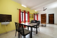 OYO Home 39490 Modish Stay Iqraa Hospital