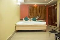 OYO 3733 Hotel Royal Residency.