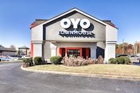 OYO Townhouse Jacksonville AR