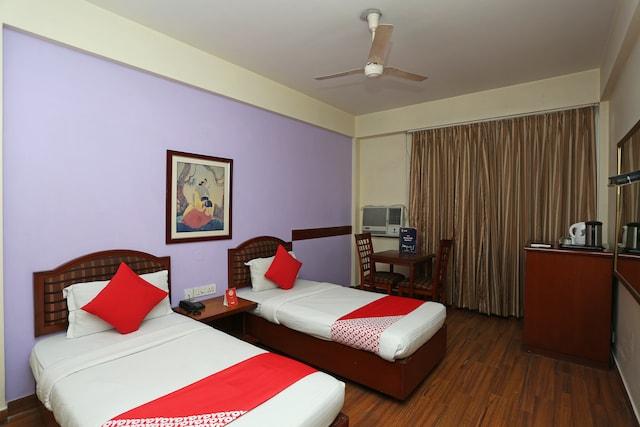 OYO 645 Hotel Paharganj Tourist International Deluxe