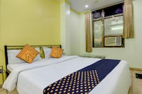 SPOT ON 39561 Hotel Deep