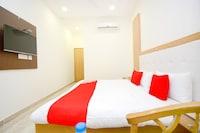 OYO 39569 Hotel Lazeeno