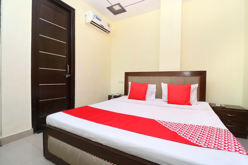 OYO 39635 Hotel Shree Om