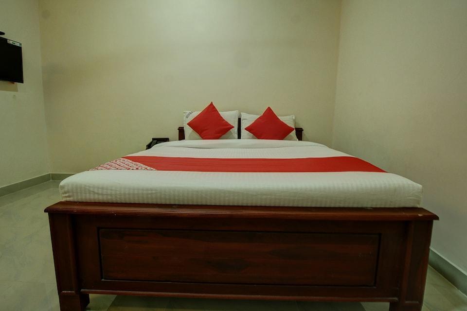 OYO 39647 Geethan Lodge