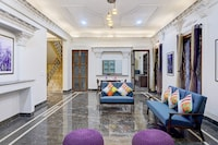OYO Home 39660 Exquisite Stay Near Seasons Mall