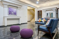 OYO Home Luxe 39660 Exquisite Stay Near Seasons Mall