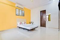 OYO Home 39672 Royal Spacious Exotic