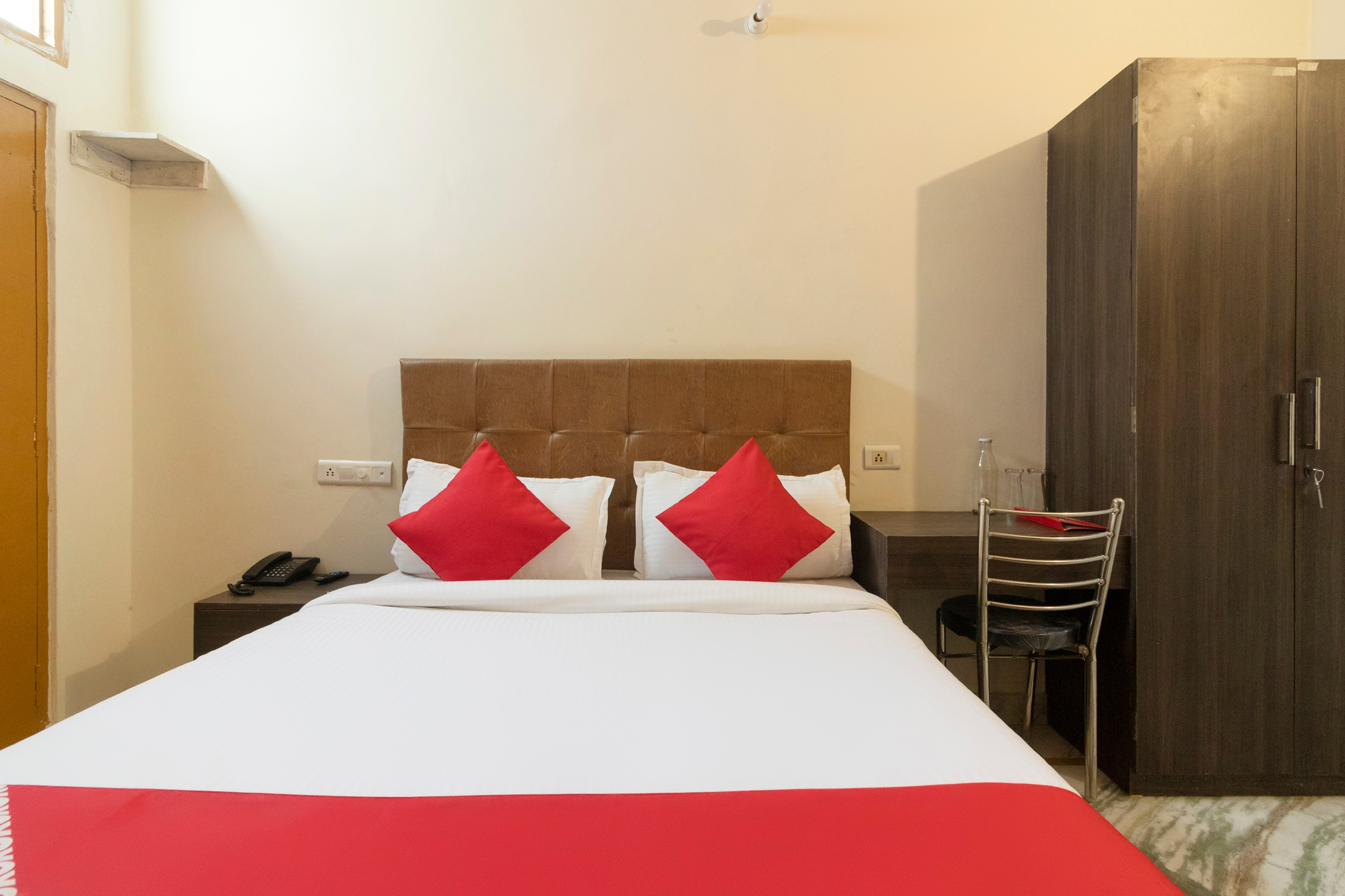 Couple Hotels in Varanasi   Couple Friendly Hotel   Starting