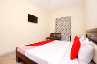 OYO 39755 Hotel Holiday Resort