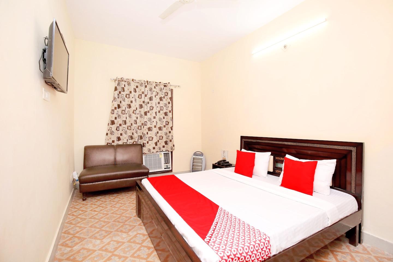 OYO 39755 Hotel Holiday Resort -1