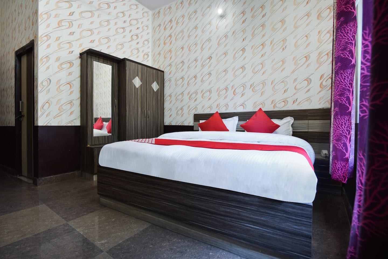 OYO 39771 Lakshya Residency -1
