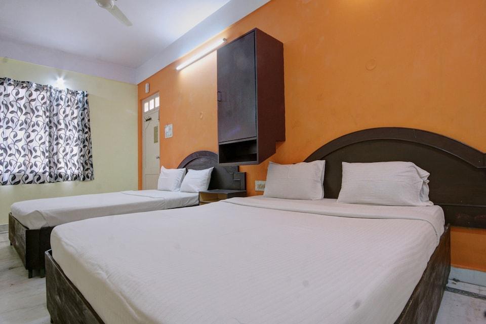 SPOT ON 39787 Radha Krishna Deluxe Lodge, Malleshwaram, Bangalore