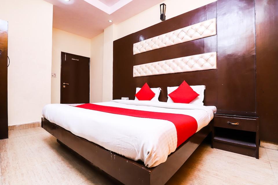 OYO 39815 Karat 87 Hotel, Karol Bagh Delhi, Delhi