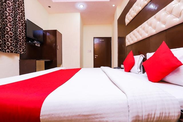 OYO 39815 Karat 87 Hotel Deluxe