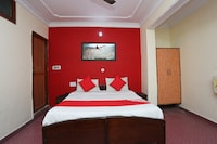 OYO 39830 Hotel Esquire
