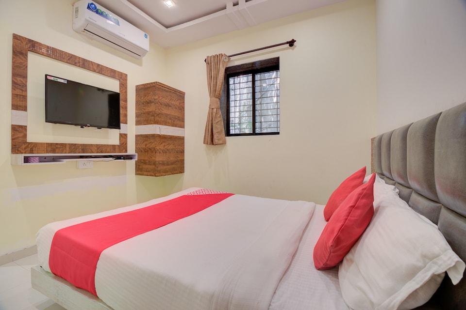 OYO 39859 Hotel Shiv Ganga Inn