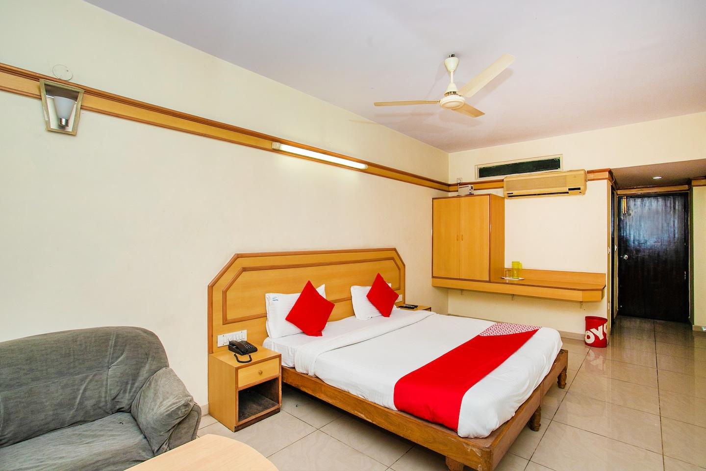 OYO 649 Hotel Ajantha Trinity Inn -1