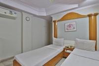 SPOT ON 39880 Hotel Decent SPOT