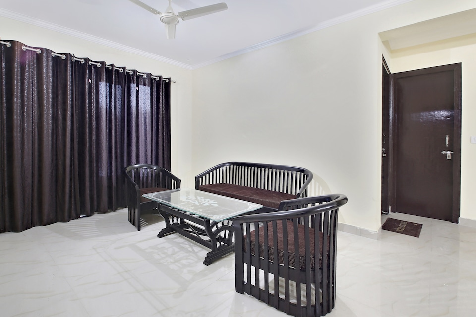 OYO Home 39944 Comfortable 2bhk Hill View  Bhowali
