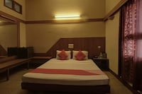 OYO 39948 Padma Residency Suite