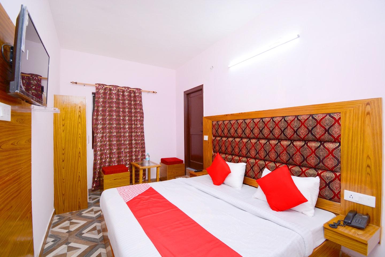 OYO 39965 Hotel Aryan -1