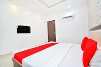 OYO 40005 Corner House Deluxe