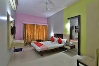 OYO 40017 Hotel Excellency