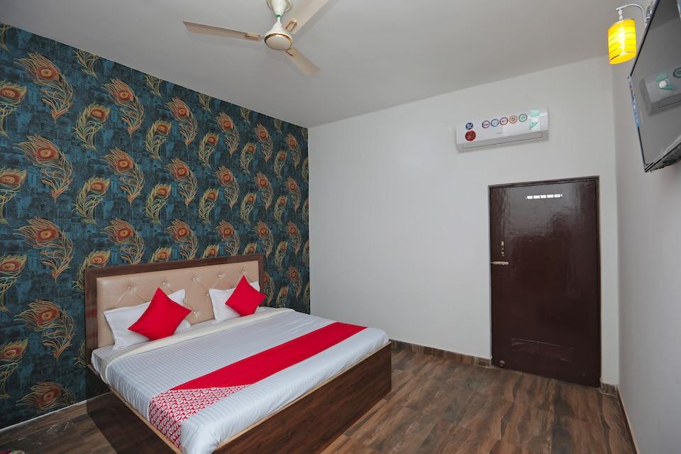OYO 40061 King Palace, Fatehabad Road, Agra