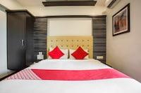 OYO 40067 Hotel Blue Diamond