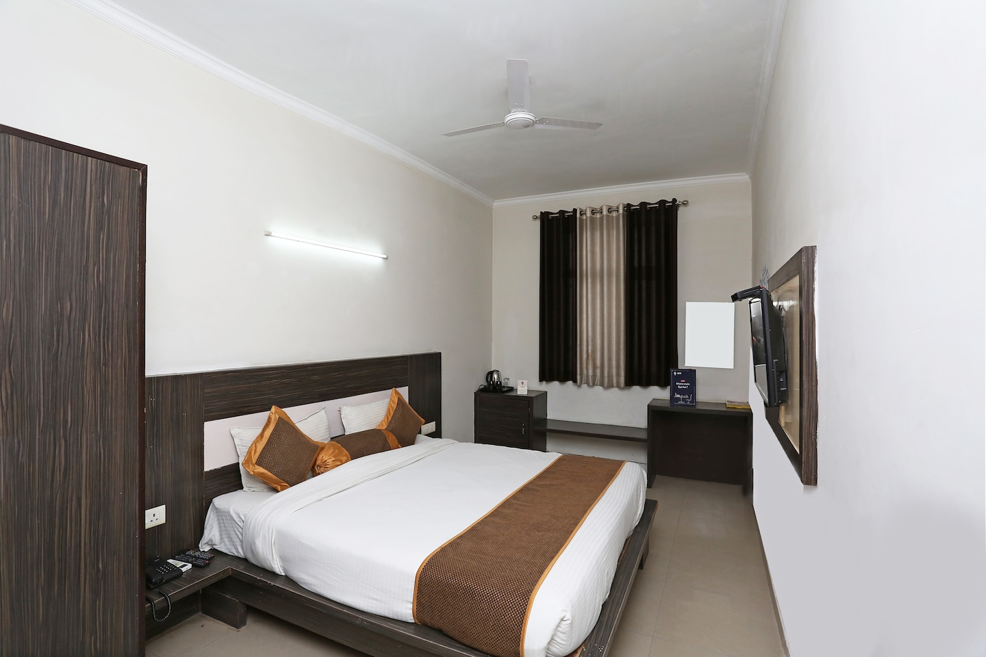OYO 3773 Hotel City Square and Suites Agra -1